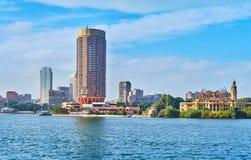 在Gezira海岛,开罗,埃及上的现代建筑学 库存图片