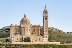 在Gharb附近的Ta Pinu教会在Gozo,马耳他 库存图片