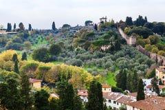在Giardino巴尔迪尼庭院和墙壁上看法  免版税库存照片