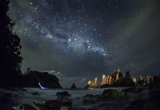 在Gigi Hiu海滩的Milkyway,异乎寻常鲨鱼牙海岸, Tanggamus -楠榜省,印度尼西亚 图库摄影