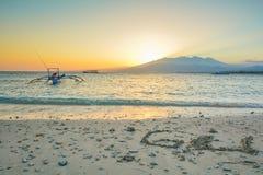 在Gili空气海岛-巴厘岛,印度尼西亚上的日出 库存图片