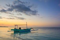 在Gili空气海岛-巴厘岛,印度尼西亚上的日出 库存照片