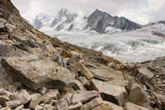 在Glacier du Tour的冰砾在法国阿尔卑斯 库存照片