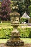 在Glamis城堡的庭院喷泉 库存照片