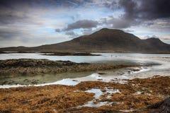 在Glassilaun海滩Connemara的岩石 免版税库存图片