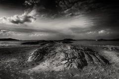 在Glassilaun海滩Connemara的岩石 库存图片