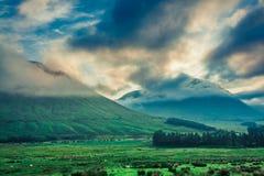 在Glencoe,苏格兰山的冷的黎明  免版税库存照片