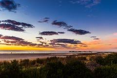 在Glenelg海滩,阿德莱德,澳大利亚的壮丽落日海景 库存图片