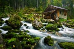 在Golling附近的老磨房der萨尔察赫河,奥地利 免版税库存照片