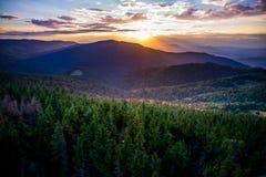 在Gorce山的日落 免版税库存图片