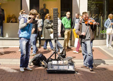 在Grafton街,都伯林上的音乐家 免版税图库摄影