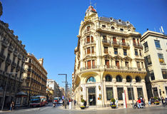 在Gran的大厦通过格拉纳达,安大路西亚,西班牙 库存图片