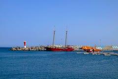 在Gran Tarajal港的看法在费埃特文图拉岛,西班牙 Pictur 免版税库存照片