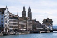在Grossmà ¼ nster教会塔的看法  免版税图库摄影
