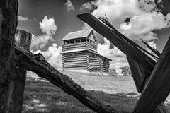 在Groundhog山-蓝岭山行车通道,弗吉尼亚,美国的监视塔 免版税图库摄影