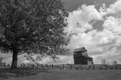 在Groundhog山-蓝岭山行车通道,弗吉尼亚,美国的监视塔 库存照片
