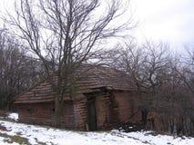 在Grza附近的老房子 免版税库存照片