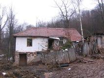 在Grza附近的老房子 免版税库存图片