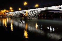 在Guadalquivir河的Triana桥梁 图库摄影