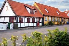 在Gudhjem,博恩霍尔姆海岛,丹麦用木材建造木屋 免版税库存图片