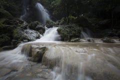 在Gunungkidul,日惹,印度尼西亚的美好的日落 图库摄影