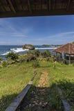 在Gunungkidul,日惹,印度尼西亚的美好的日落 库存图片