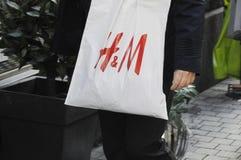 50%在H&M的折扣销售 免版税库存照片