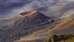 在Haleakala火山口的炭渣锥体在Haleakala国家公园毛伊夏威夷美国 库存图片