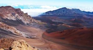 在Haleakala火山附近的谷 图库摄影