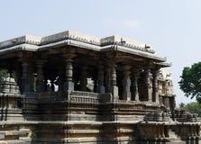 在Halebidu,卡纳塔克邦,印度的老印度寺庙 库存图片