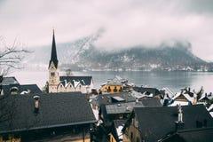 在Hallstatt和湖的看法 图库摄影