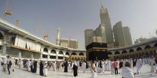 在Haram清真寺执行Umrah或麦加朝圣 库存照片