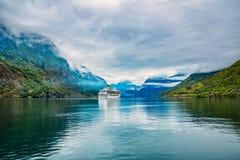 在Hardanger的巡航划线员fjorden 库存照片