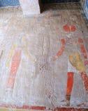在Hatshepsut寺庙的壁画  库存图片