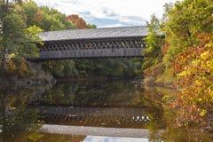 在Henniker,新罕布什尔的被遮盖的桥 免版税图库摄影
