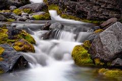 在Hibiny山的小河 免版税库存图片