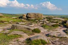 在Higger突岩,南约克郡,英国,英国顶部的石头 库存照片