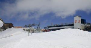 在Hintertux冰川的Gletscherbus 3驻地, A 库存图片
