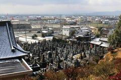 在Hizen山口驻地,日本附近的日本公墓` 免版税图库摄影