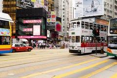 在HK的街道上的双层甲板船电车 库存照片