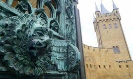 在Hohenzollern城堡的狮子头 库存照片