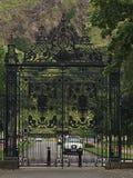 在Holyrood宫殿的门 库存照片