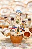 在Horezu的传统罗马尼亚瓦器,罗马尼亚 免版税库存照片