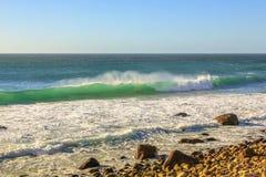 在Hout海湾的波浪 库存照片