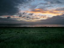 在Humber出海口,东部英国的日出 免版税库存照片
