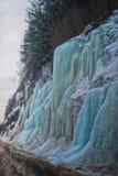 在Hwy 16的冻结的冰柱秀丽 免版税库存图片
