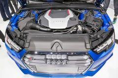 在IAA的奥迪S4 TFSI V6引擎2015年 库存图片