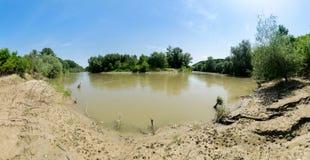 在Ialomita河,罗马尼亚的河弯 免版税库存图片