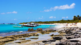 在Icacos海滩的小船 波多里哥 免版税库存照片