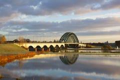 在IJssel的桥梁 库存照片
